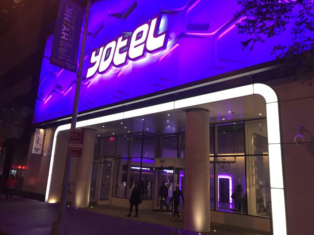 Yotel : l'hôtel connecté et robotisé