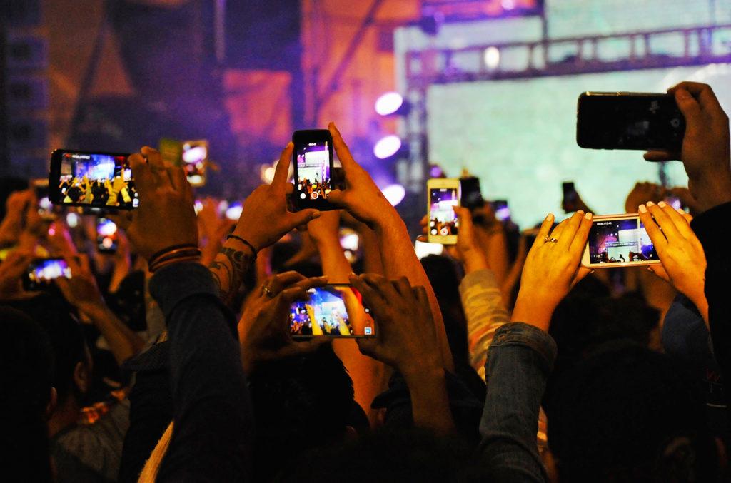 Privé de smartphone dans les concerts les écoles les musés, les hôpitaux